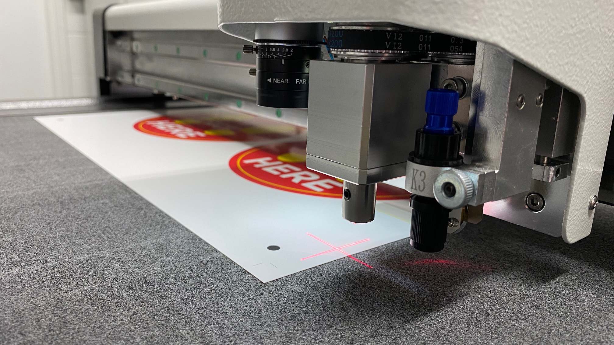 KNP | VeloBlade on-demand digital die-cutter